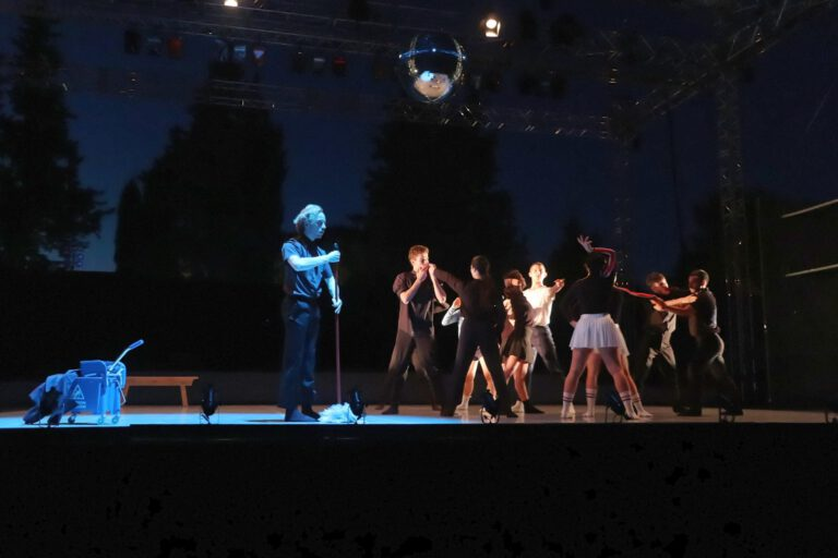 Vaison Danses IT Dansa - « The Prom » de Lorena Nogal ¢AA